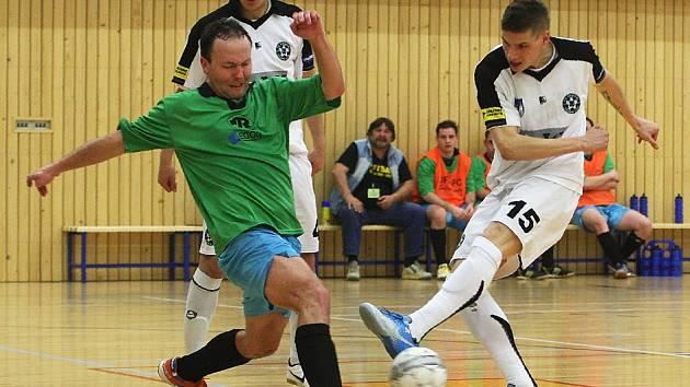První semifinálový zápas play-off 2. ligy futsalu mezi českolipskými Démony a týmem z Hradce Králové vyhráli domácí borci 8:3. O první dva góly Démonů, které tým postavily na nohy, se postaral Milan Soukup.
