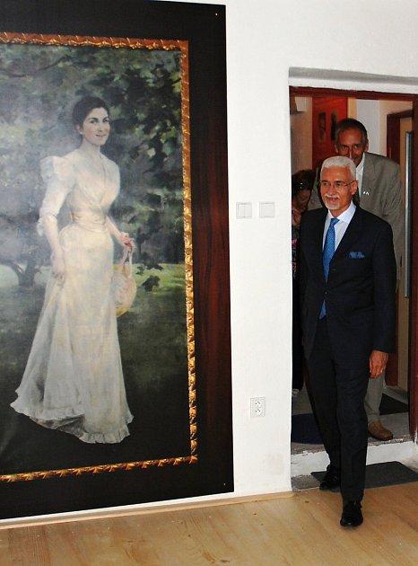 Brazilský velvyslanec George Monteiro Prata vKrajanském muzeu vystěhovalectví do Brazílie, které stojí vRalsku - Náhlově.