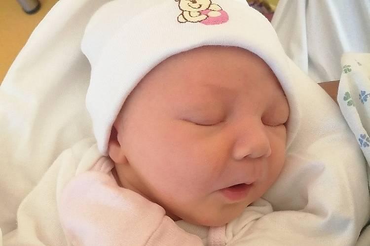 Rodičům Anně Horynové a Jirkovi Karlíkovi z Frýdlantu v Čechách se v úterý 28. září narodila dcera Nela Karlíková. Měřila 52 cm a vážila 3,85 kg.