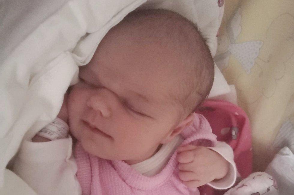 Rodičům Veronice a Filipovi Horčičkovým z Mimoně se v pátek 13. března v 8:19 hodin narodila dcera Anetka Horčičková. Měřila 49 cm a vážila 3,19 kg. Doma na ní čekala sestřička Adélka.