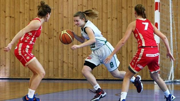 V rámci víkendového 9. a 10. kola basketbalové 1. ligy juniorek přivítaly hráčky BK Česká Lípa soupeřky ze Sokola Nusle a následně pražskou Slavii.