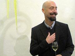 V českolipském muzeu vystavuje brazilský výtvarník Ricardo Hoineff.
