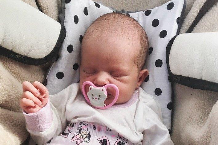 Rodičům Adéle Čepelové a Denisovi Černému se ve středu 30. června v 5:06 hodin narodila dcera Malia Čepelová. Měřila 45 cm a vážila 2,30 kg.