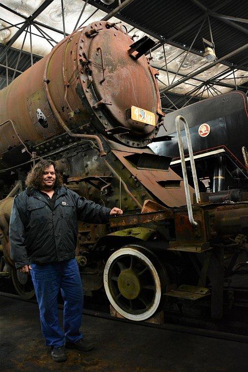 Nadšenci v Lípě zachraňují unikátní lokomotivu. Železniční technik Jiří Cikán.