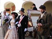 Do poloviny 19. století se vrátil zámek v Zákupech, kde proběhl pátý ročník Císařských slavností. Jejich hlavním hostem byl poslední skutečný uživatel zámku císař Ferdinand Dobrotivý. Po jeho smrti roku 1875 byl již zámek příslušníky vládnoucí dynastie na