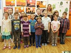 Žáci 1. a 3. třídy ZŠ Prysk s paní učitelkou Evou Vavřinovou.