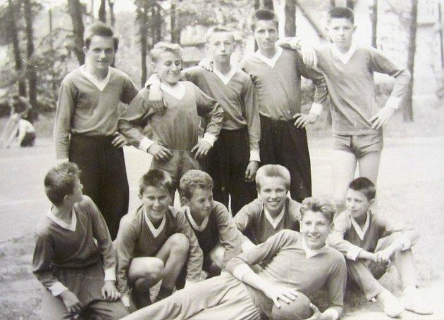Zákupský oddíl odbíjené, 1963.