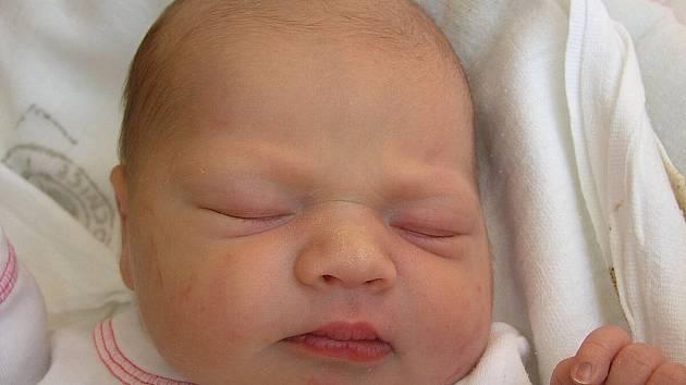 Mamince Lucii Rakové z Kravař v Čechách se 17. června ve 13:31 hodin narodila dcera Adéla Pýchová. Měřila 49 cm a vážila 3,05 kg.