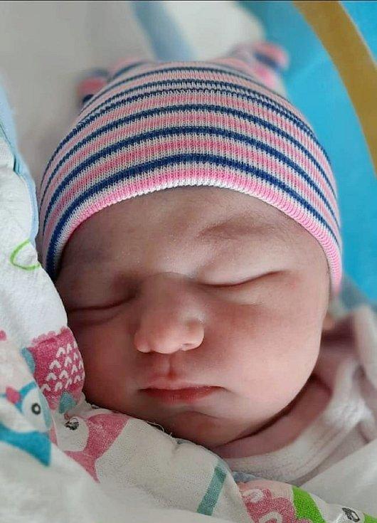Rodičům Kristýně Hlavanové a Jiřímu Hejskovi z České Lípy se v pátek 2. července ve 14:08 hodin narodila dcera Eliška Hlavanová. Měřil 51 cm a vážila 4 kg.