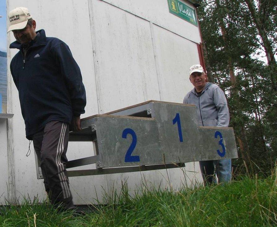 Hlavní cena do tomboly, skůtr v hodnotě 25 tisíc, je připravený stejně jako trať a pořadatelé Karel Barnišin a Miroslav Plesar jen dodělávají poslední detaily.