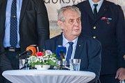 Prezident České republiky Miloš Zeman (na snímku) navštívil 11. května v rámci návštěvy Libereckého kraje město Doksy, kde se setkal s představiteli města a občany.