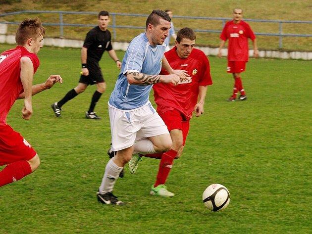 Poslední derby mezi Stráží a Cvikovem dopadlo letos v dubnu lépe pro hráce z města pod Ralskem. Vyhráli 1:0.