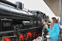 Nádraží v České Lípě ovládly parní lokomotivy. Nostalgie nalákala stovky lidí.