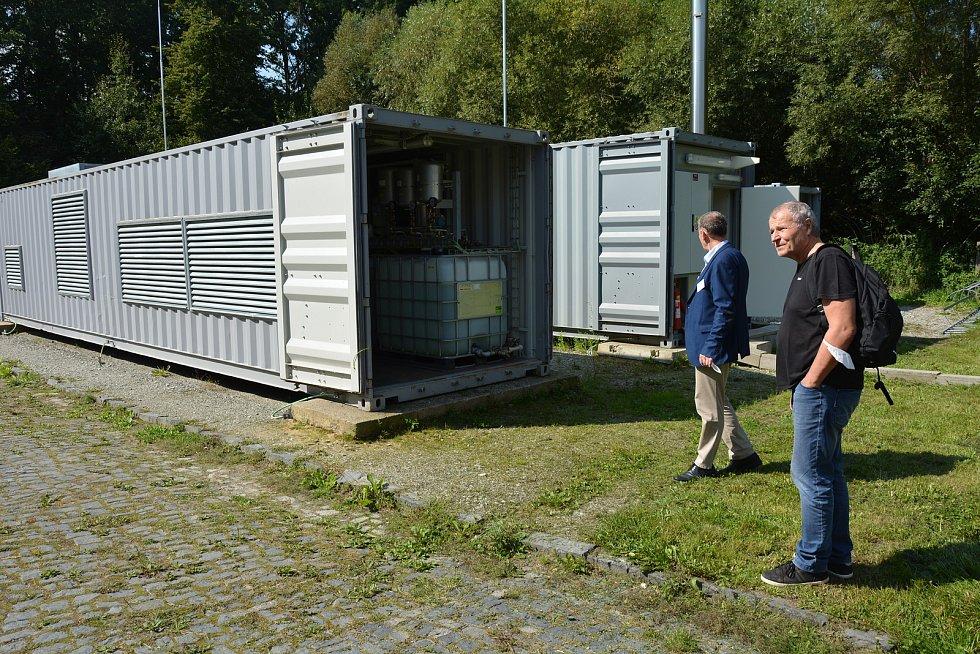 Ve vědecko-technickém parku v Dubé na Českolipsku představili nový reaktor pro plazmové zplyňování.