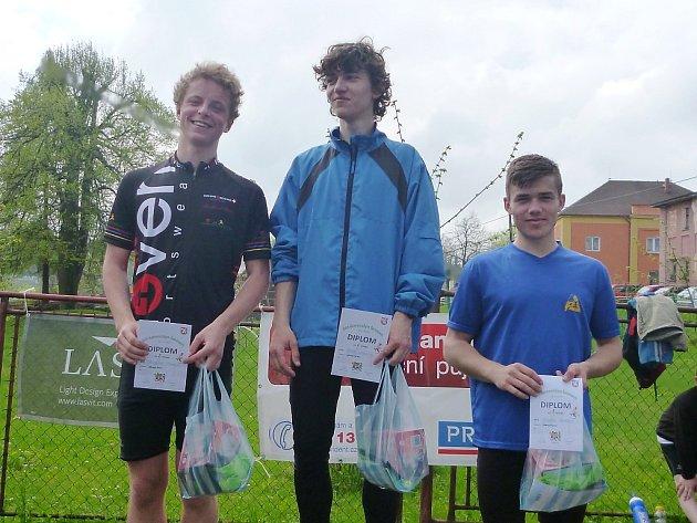 Vítězové kategorie dorostu (zleva): 2. místo Stupka, 1. Cmunt, 3. Bekr (všichni z AC Česká Lípa).