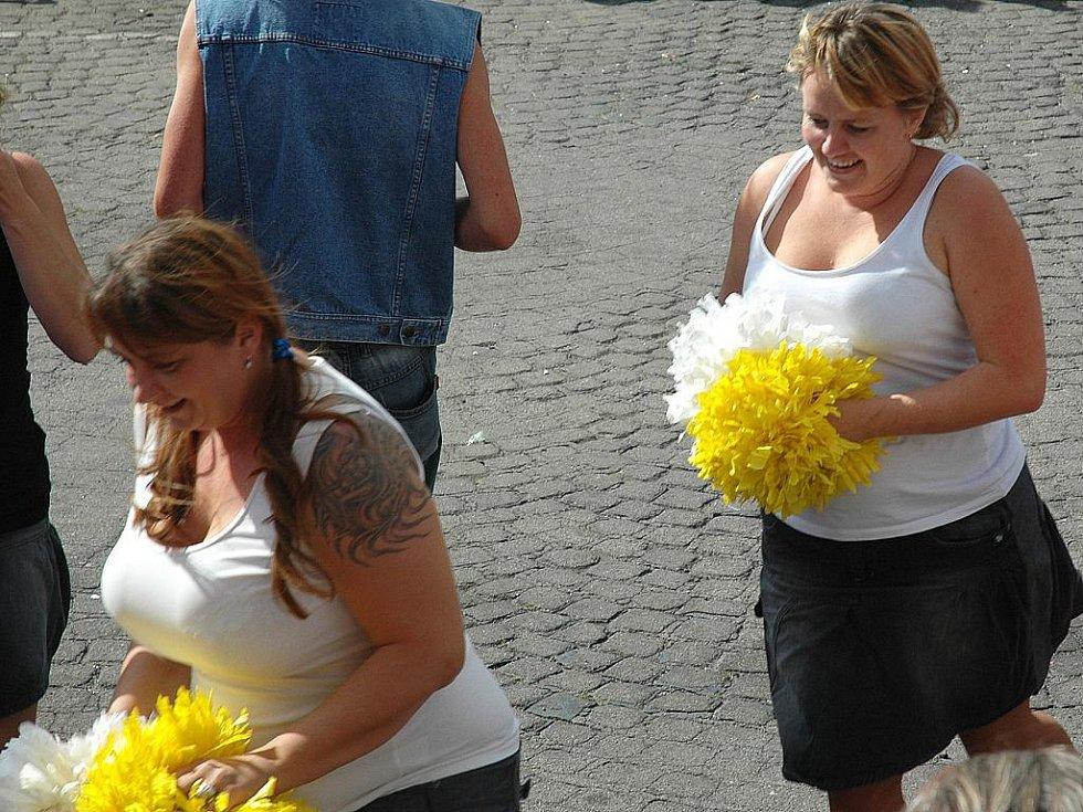Sluníčko se nakonec usmálo na návštěvníky novoborské akce Ahoj léto. V pátek a sobotu ji pořádá město Nový Bor a místní sbor dobrovolných hasičů.