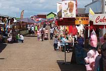 Do Brniště se sjely stovky návštěvníků na tradiční pouť.