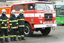 V sobotu dopoledne hasiči auto po přestavbě slavnostně představili veřejnosti.