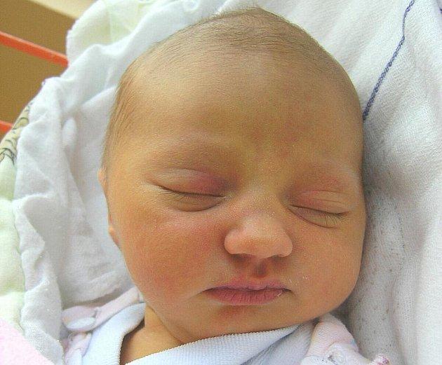 Rodičům Simoně a Pavlovi Vyoralovým z Kvítkova se 24. prosince v 19:32 hodin narodila dcera Nela Vyoralová. Měřila 48 cm a vážila 3,24 kg.