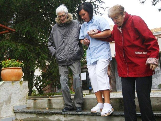 Pampeliška se stěhovala z bývalého hotelu Kahan na českolipském sídlišti Lada.