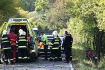 Vážné zranění utrpěl včera odpoledne motorkář na silnici mezi Horní Libchavou a Českou Lípou.