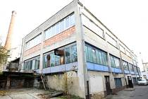 Budova hutě u novoborské sklářské školy