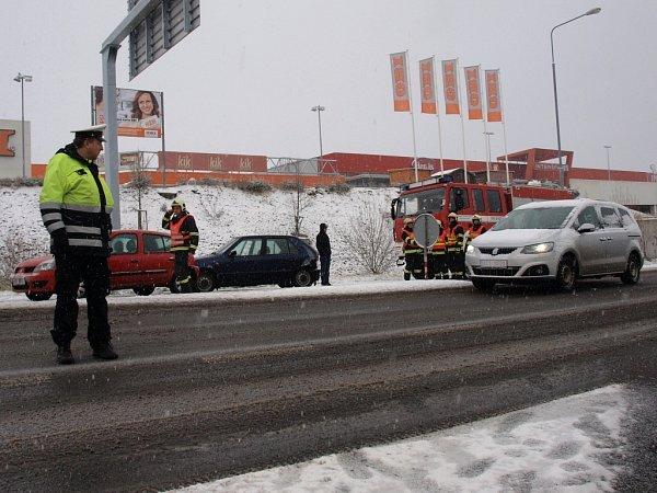 Páteční nehoda na silnici I/9 vČeské Lípě.