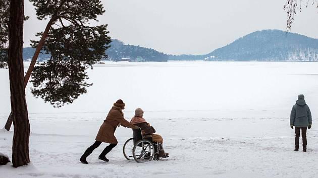 Televizní film se v Doksech a okolí točil loni v prosinci.