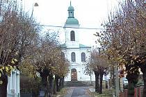 Kostel sv.Ducha, čtvrť Arnultovice v Novém Boru.