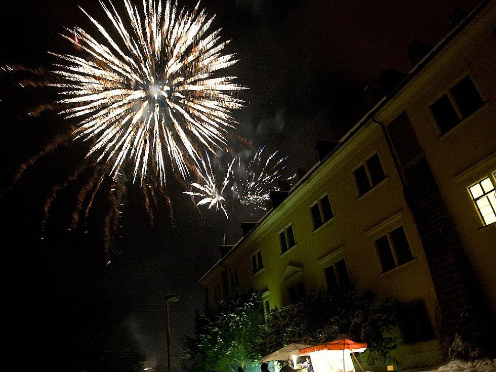 Velkolepým ohňostrojem přivítali Nový rok v Doksech.