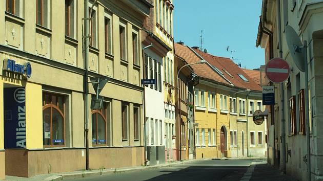 Jiráskova ulice v centru České Lípy.