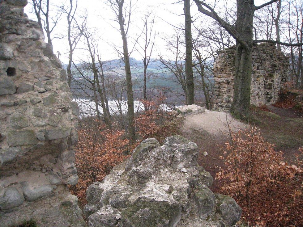 Za historií zříceniny hradu Děvín.
