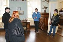 Unikátní českolipská památka, Vodní hrad Lipý, včera zahájila sezonu s novou expozicí a vylepšenou prohlídkovou trasou. Expozice nyní vypovídá o životě na zámku a v jeho okolí v období 19. a 20. století.