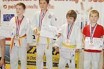 Honza Moravík (druhý zleva) vybojoval bronz.