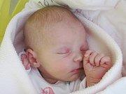 Rodičům Nikole Jiřištové a Luboši Fujerovi z Pihelu se ve středu 12. října ve 12:12 hodin narodila dcera Adéla Fujerová. Měřila 51 cm a vážila 3,2 kg.