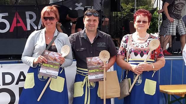 Kynuté buchty plněné rebarborou od Maxijedlíka vyhrály soutěž o nejlepší kynutou buchtu.