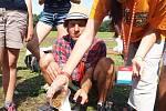 Šikovní jsou mladí skauti Středoevropského jamboree v Doksech. Z krabice od mléka umí vyrobit peněženku, 3D obraz sledují skrz zrcadlo a počítačové součástky mění ve šperky.