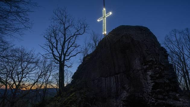 Kříž v Novém Boru.