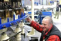 6. ledna 2010 se uvnitř Crystalexu slavnostně podpaluje první tavící pec s 30 tunami skloviny,