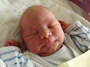 Mamince Andree Felcmanové z České Lípy se ve čtvrtek 24. srpna ve 12 hodin narodil syn Adam Tusar. Měřil 50 cm a vážil 3,3 kg.