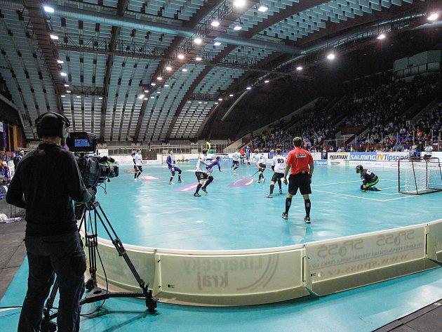 Českolipský florbalový klub se bude v pondělí snažit překonat loňský rekord 1 322 diváků.