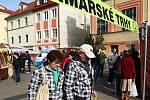 První farmářské trhy proběhly na českolipském Škroupově náměstí ve čtvrtek. Připravené pro ně byly mimo jiné zabijačkové hody.