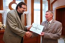 Základní škola na Ladech v České Lípě převzala certifikát o partnerství s ČVS.