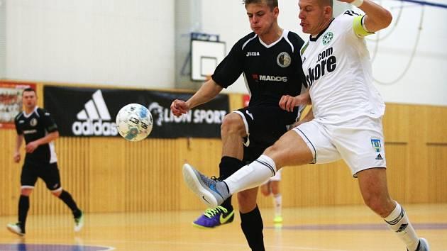 FC Démoni Česká Lípa - MADOS MT Hradec Králové 6:3 (2:1).