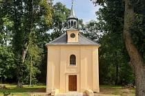 Obnova kaple ve Velkém Grunově pokračuje.
