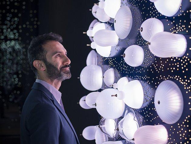 Se sklářskými mistry z Novoborska tentokrát spojil síly uznávaný designér Khalid Shafar.