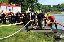 Konec prázdnin patří ve Stráži pod Ralskem tradičně klání jednotek dobrovolných hasičů.
