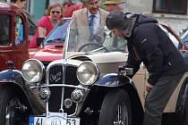 Jedna z prvních akcí letošní motoristické sezony přilákala v neděli 8. května do Žandova na startovní pole patnáctého ročníku závodu S veterány po Českolipsku 99 posádek historických vozů.