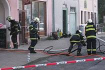 Při požáru obytného domu v Jablonném zasahovalo pět jednotek hasičů.