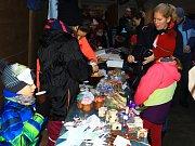 Vánoční skautské trhy v Mimoni.